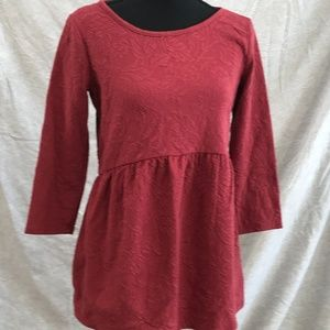 XS A Pea in the Pod Button Back 3/4 Sleeve Red Top